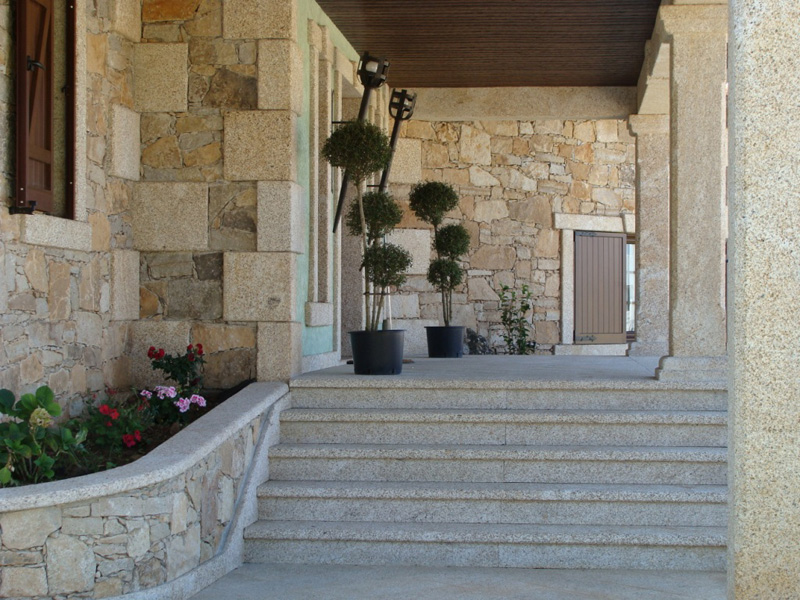 Natural Stone Wall Tiles - Noble material by excellence