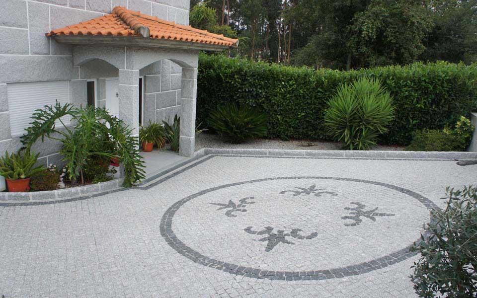 carriere de pav en granit 5x10x10 au portugal. Black Bedroom Furniture Sets. Home Design Ideas
