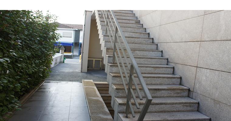 naturstein treppen treppenstufen aus stein. Black Bedroom Furniture Sets. Home Design Ideas